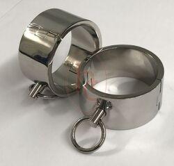 Deluxe Steel Bondage Wrist Cuffs