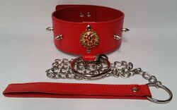 Red Medallion Spiked Collar & Leash
